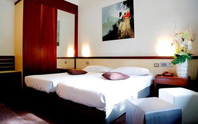 green-hotel-economy-01